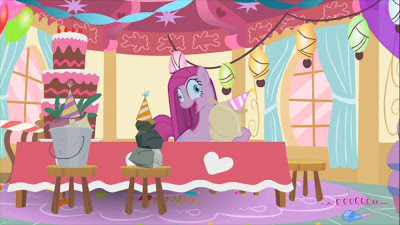 "Pinkie Pie loses it in ""Party of One"""