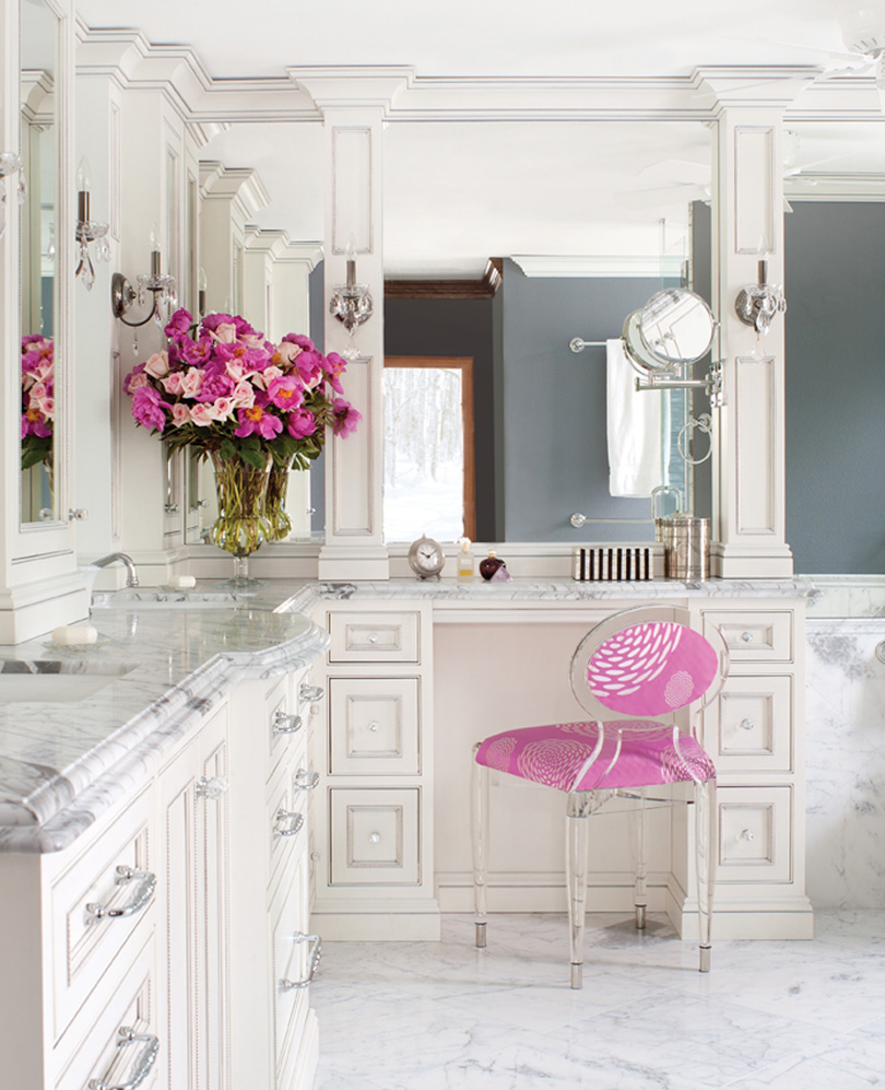 The peak of tr s chic glam it up for Pink and grey bathroom decor
