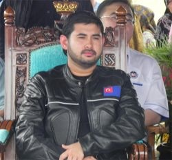 Tunku Ismail Idris Blog Uncle Seekers Hina Sultan Johor? Pendedahan Berani Uncle Seekers. Mohon Siasat Kebenaran!!