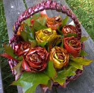Róża  liści klonu