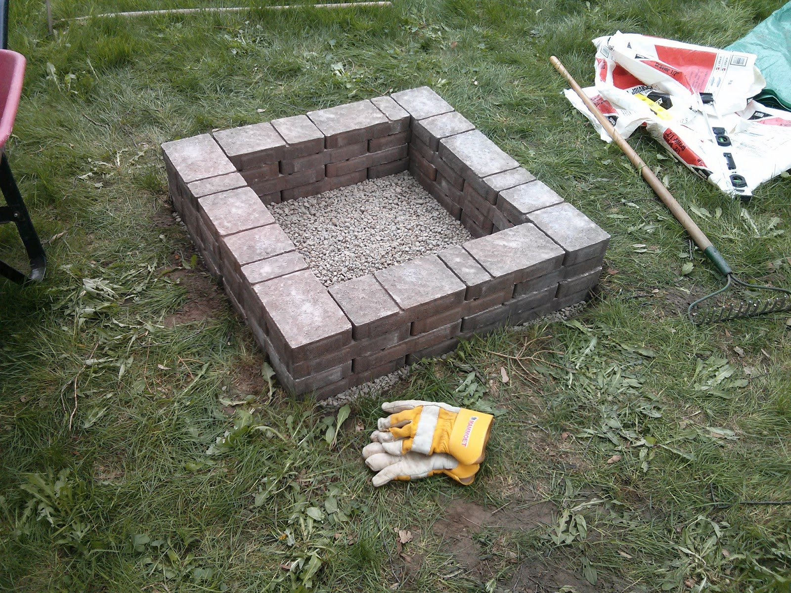 Divinely gifted mothers day diy fire pit for Built in fire pits designs