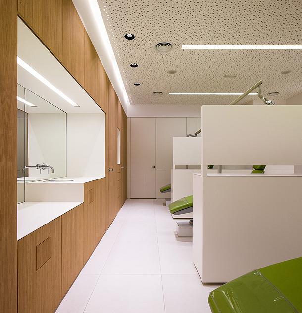 Marzua cl nica odontol gica de vol menes y transparencias - Muebles para clinicas dentales ...