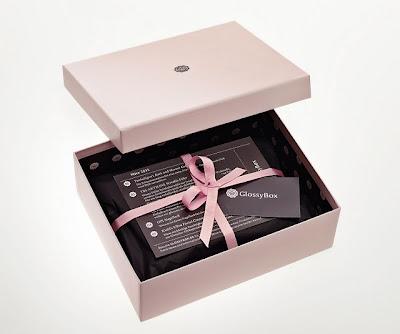 Glossybox boîte beauté échantillons maquillage