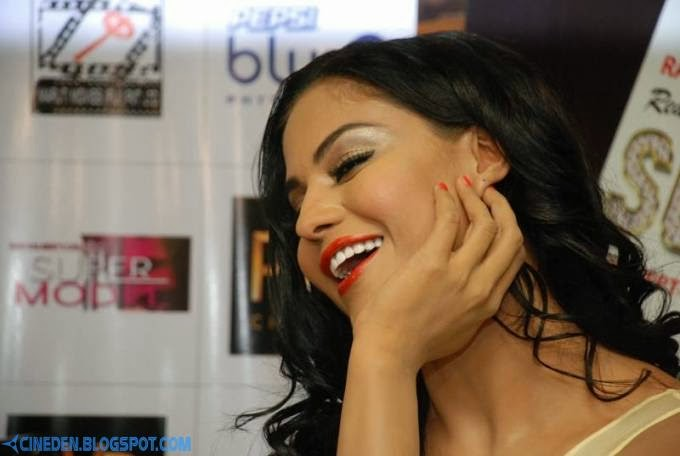 Veena Malik's film Real life of Super Model promotions at Delhi