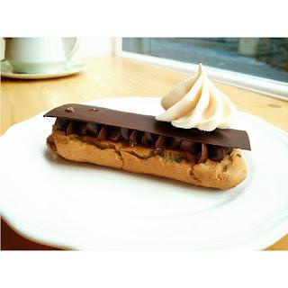Éclair au chocolat. Romain Pâtisseries © 2015