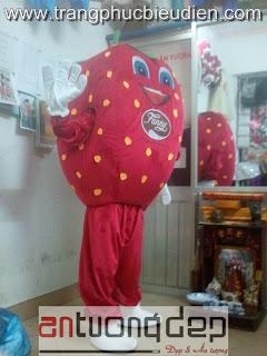 may bán mascot dâu tây