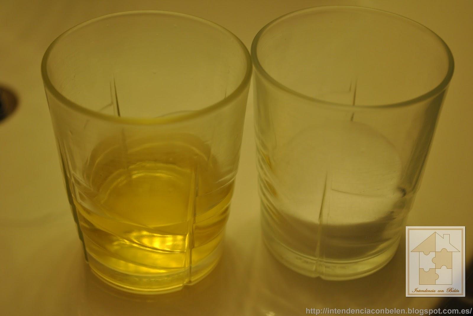 Baño Con Vinagre Blanco: wáter, partes iguales de vinagre blanco y bicarbonato de sodio