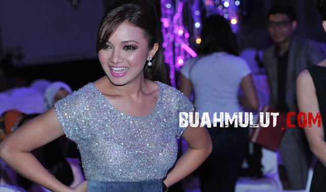Celah Gelegar Isu Neelofa Baju Jarang Nampak Coli   New Style for 2016 ...