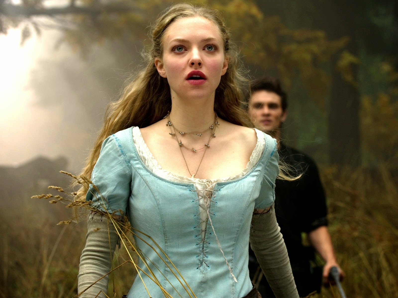 amanda seyfried in red riding hood movie-normal