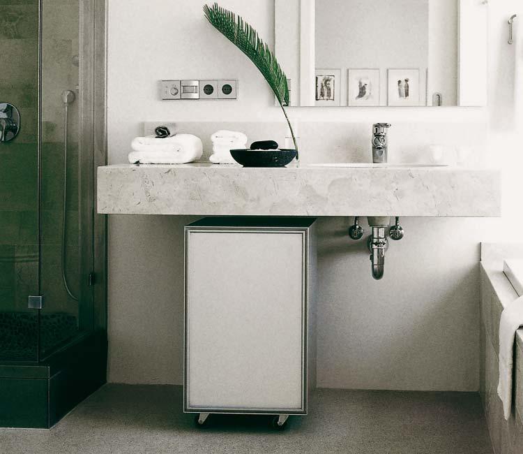 Baños Diseno Minimalista: de Interiores & Arquitectura: Un Baño Minimalista en Tonos Blancos