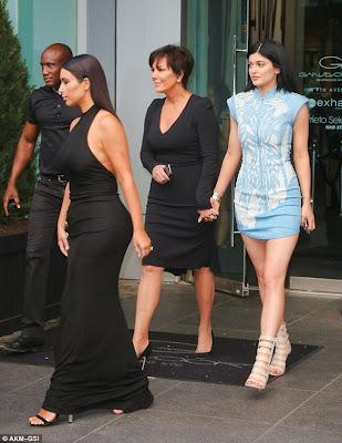 khloe Kardashian's 30th pre- birthday party5