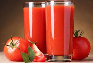 18 Manfaat Jus Tomat Bagi Kesehatan & Kecantikan