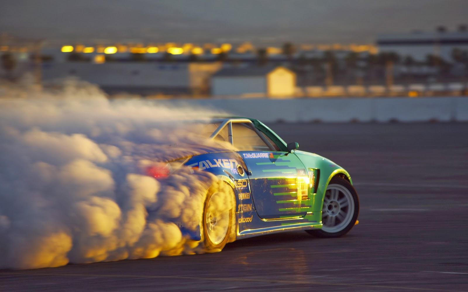 http://2.bp.blogspot.com/-buVzzDQTvJc/UxZOYXqyLSI/AAAAAAAAYnU/E_k-wHUl6Rc/s1600/car-drift-sunset-burnout.jpg