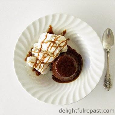 Sticky Toffee Pudding / www.delightfulrepast.com