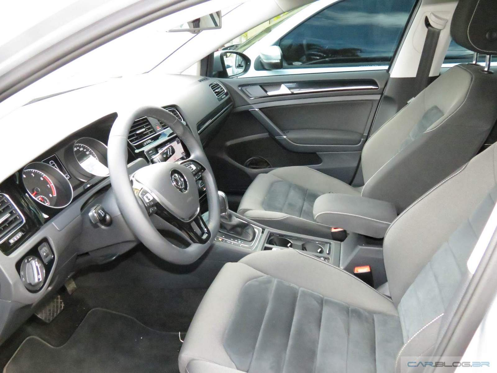 Golf TSI DSG Automático - interior - detalhes