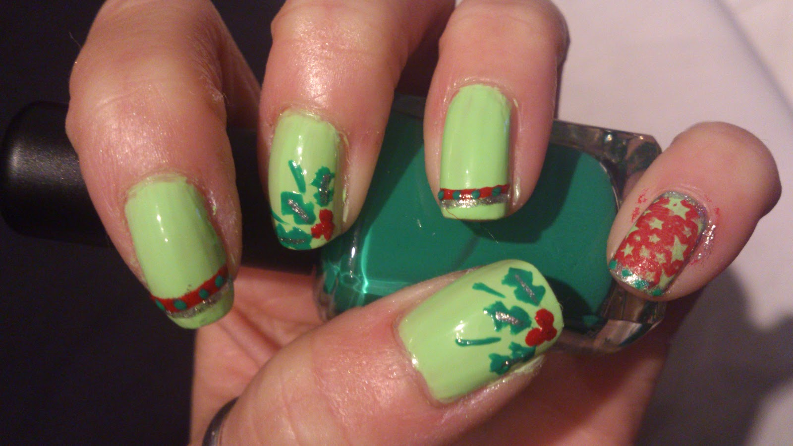 Manicura de Fantasia: A Holly Jolly Christmas Challenge: Deck the Halls!