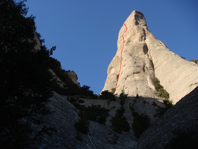 Vía Anglda-Guillamón. Montserrat. Cavall Bernat.