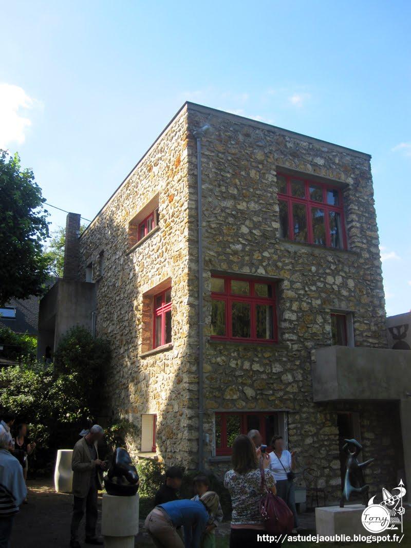 Clamart maison de jean arp et sophie taeuber for Dessin fondation maison