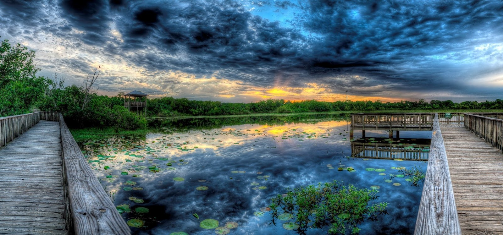Sunset at White lake in Cullinan Park near Houston and Sugar Land Texas - HDR Panoramic