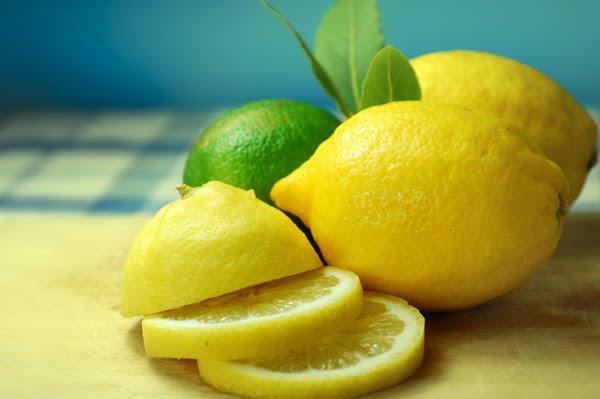 Memutihkan Wajah dengan Jeruk Nipis dan Lemon