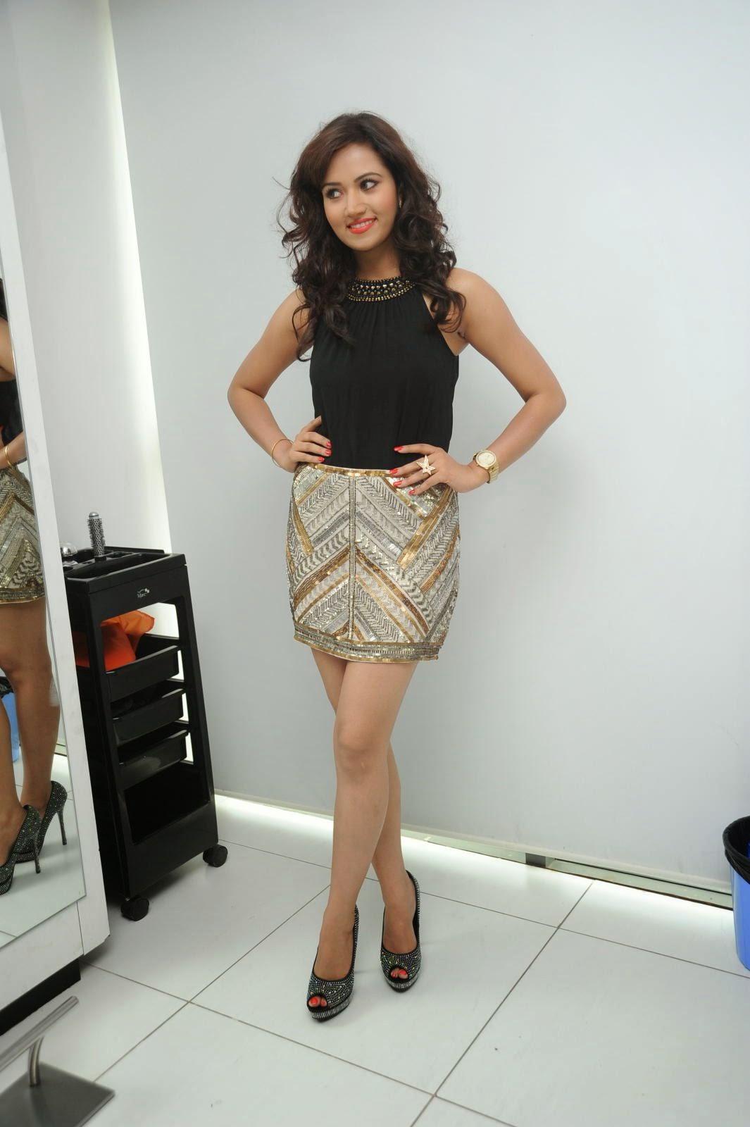 Preethi Rana Glamorous photos-HQ-Photo-12