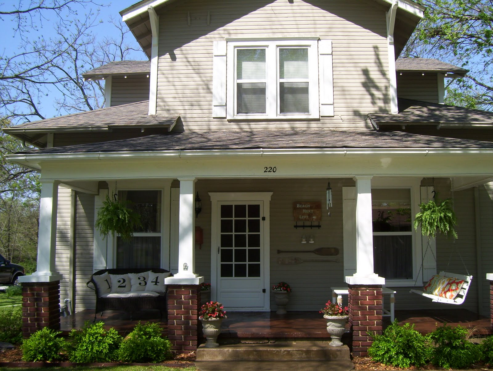 Our vintage home love front and side porch redo - Vintage front porch decorating ...
