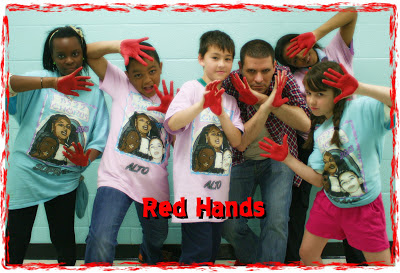http://2.bp.blogspot.com/-bwL51ns1pzE/UZNsnoaX-wI/AAAAAAAAIW0/ye-00kG2RRM/s400/Red+Hands.jpg