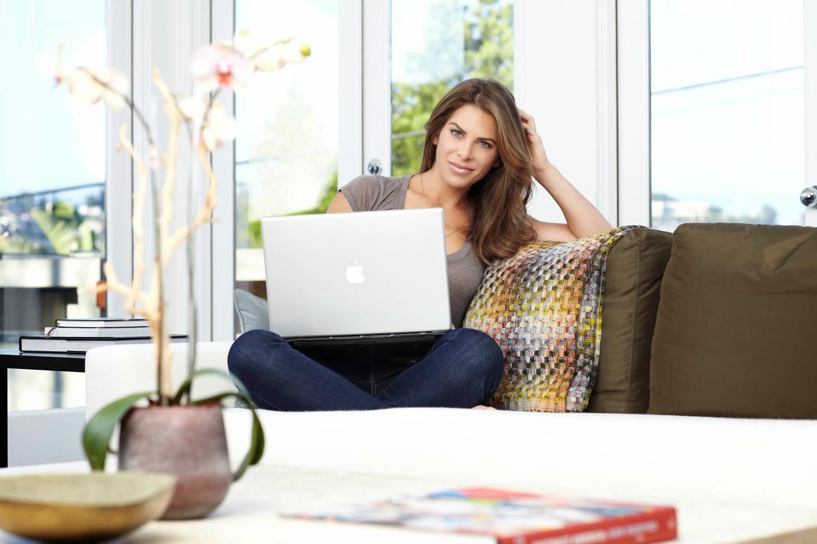 cara nonton tv dengan laptop, menonton televisi menggunakan laptop, laptop menonton televisi tanpa ledtv