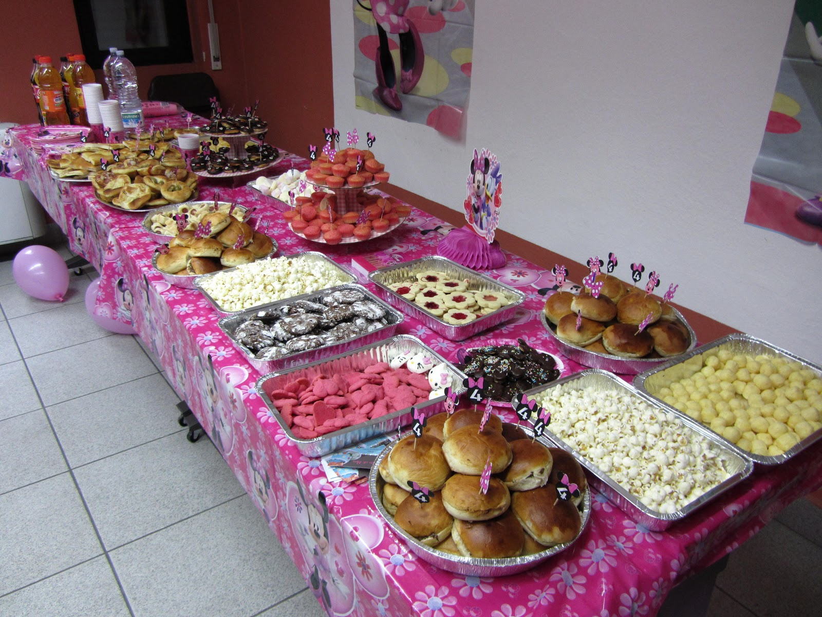 Torte e biscotti decorati per bomboniere golose !: Buffet compleanno