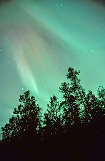 16 of the Coolest Light Phenomena Around the World