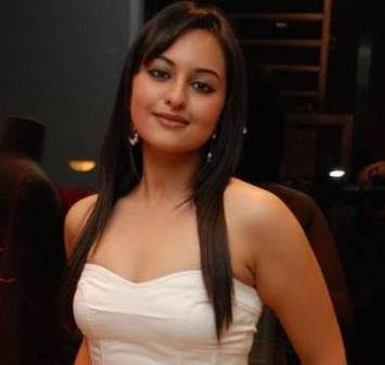 Hot  tollywood actress Sonakshi Sinha photo gallery