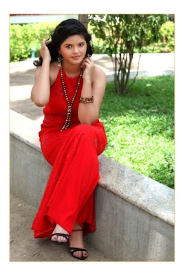 runniya cute stills
