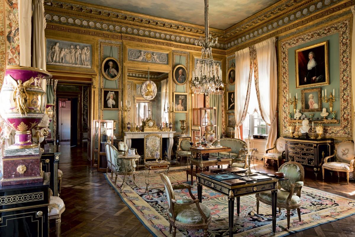 Loveisspeed jacques garcia 39 s parisien taste for Les salons du chateau