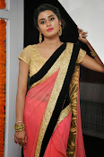 Harini at Valayam movie launch-thumbnail-15