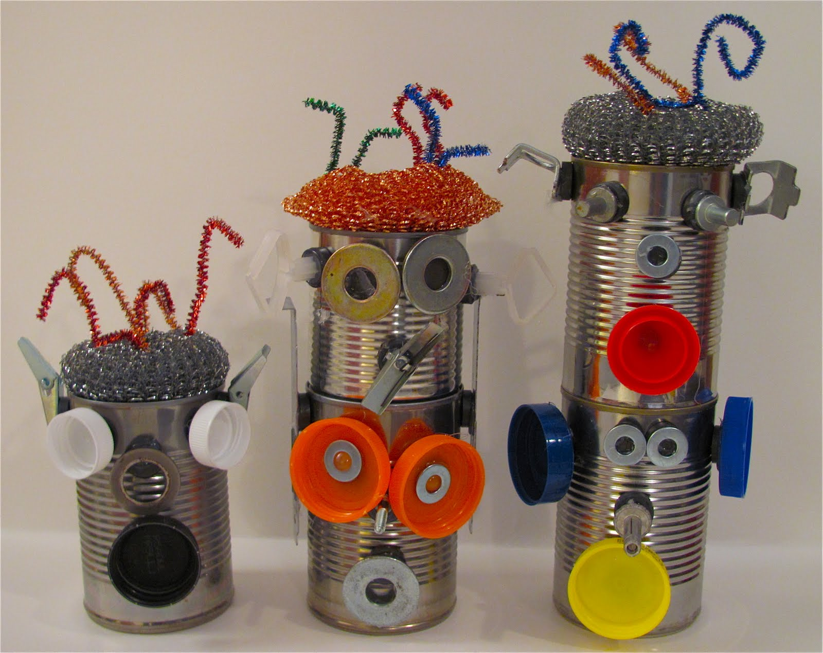 The chocolate muffin tree tin can magnetic robots for Tin cans for crafts