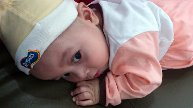 adik Izz tika usianya 7 bulan