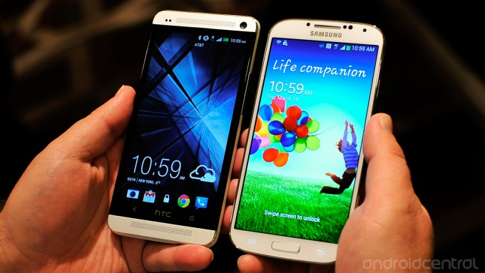 HTC One (left) & Samsung Galaxy S4 (right)