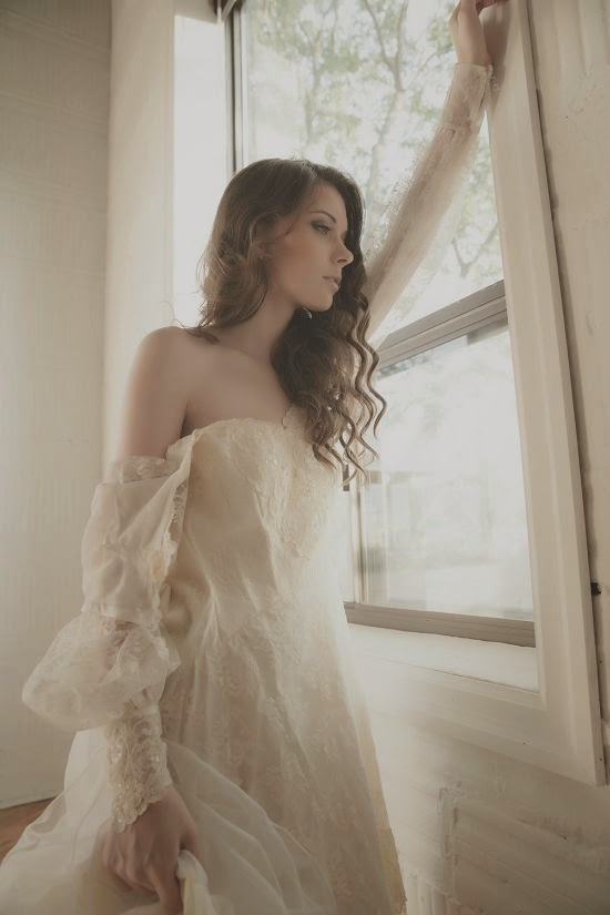 modelo Tyna pele clara branca peitos Nextdoormodel