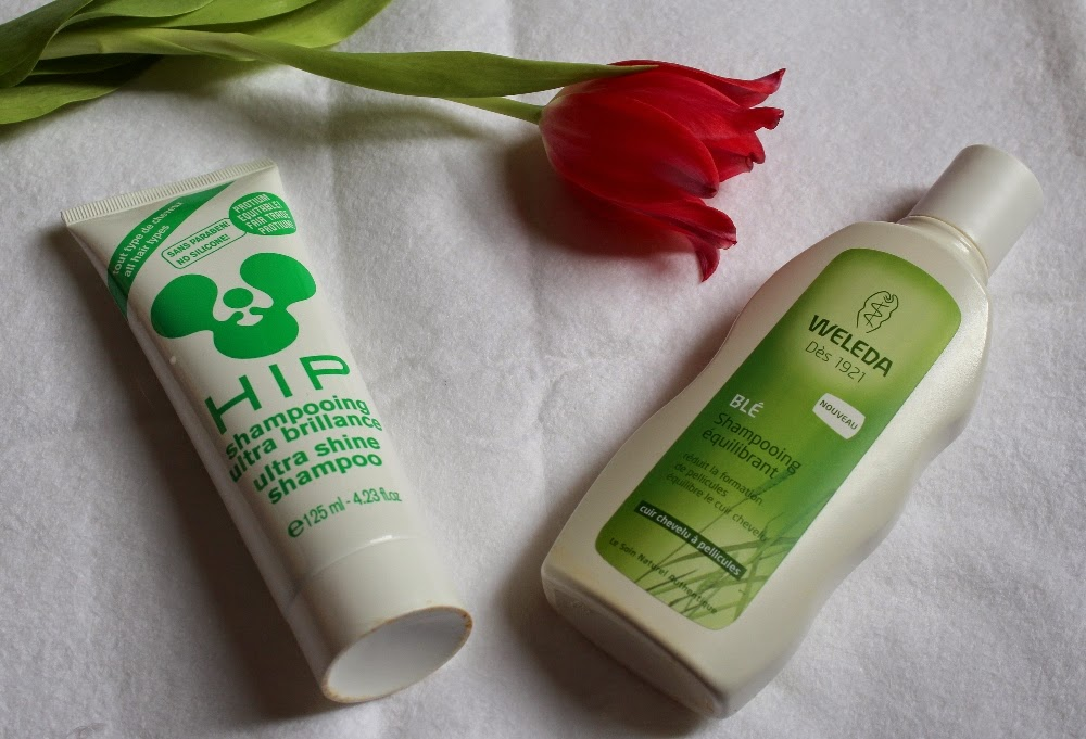 http://cosmetic-madness.blogspot.com/2015/02/nouvelle-routine-capillaire.html