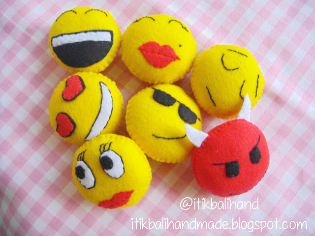 Felt BlackBerry Emoticon