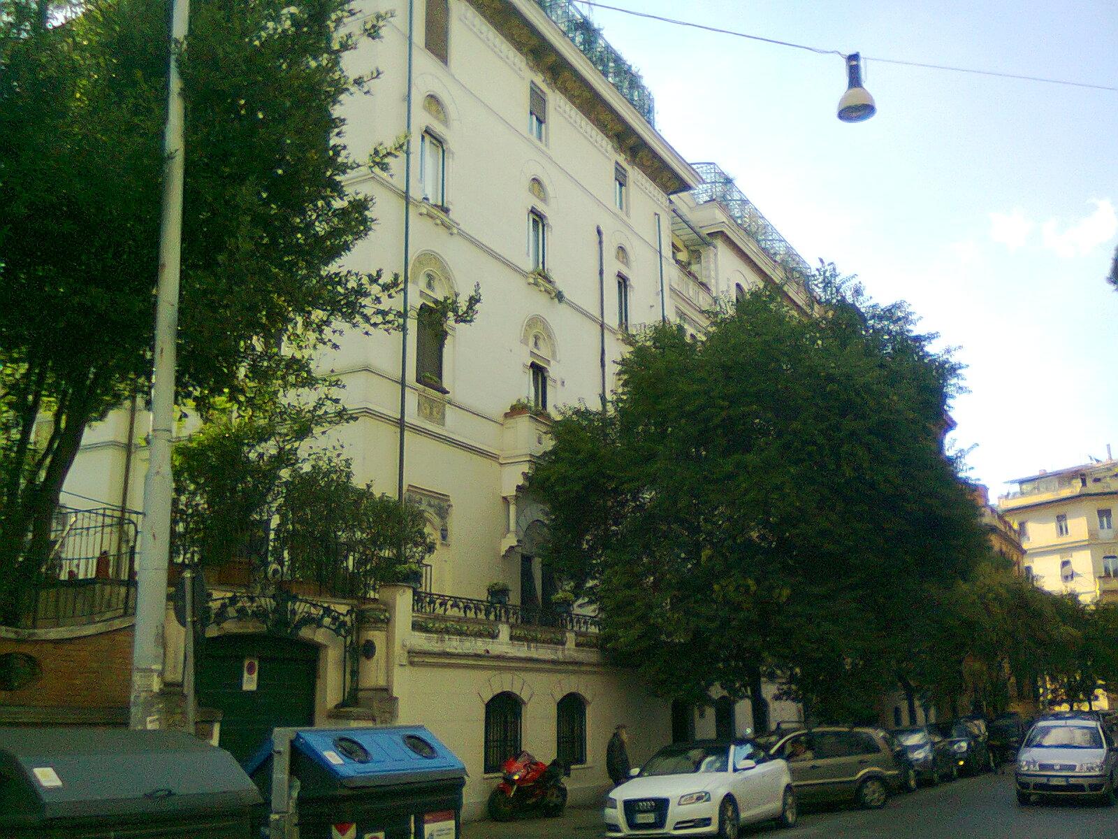 In bici per roma in 47 alla scoperta delle finestre di roma - Le finestre roma ...