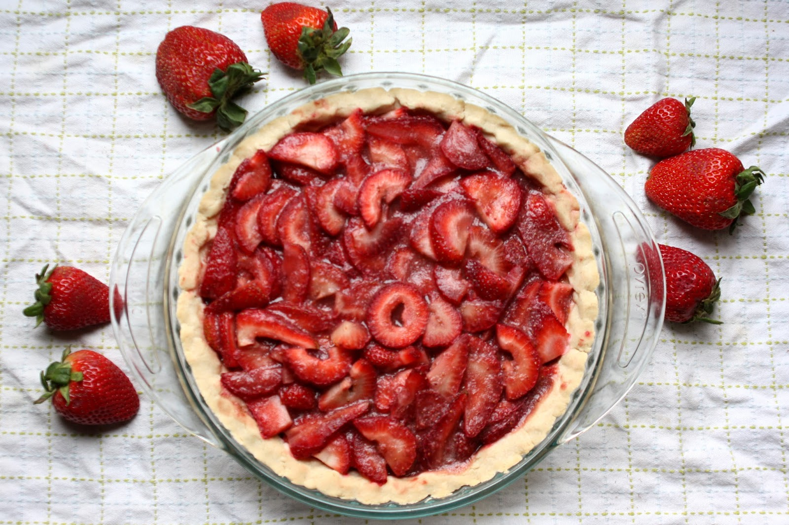 Strawberry and Pomegranate Pie (AIP, Paleo) | Don't Eat ...