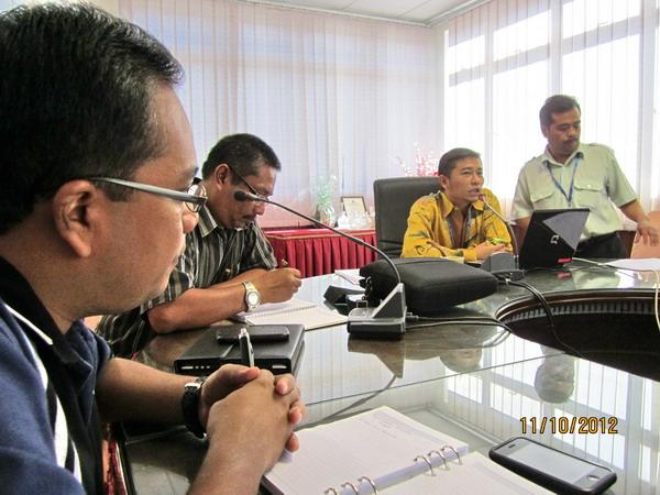 Semasa taklimat Dr. Khairul menunjukkan slide presentation aktiviti