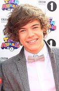 Personagens : Harry Payne , 17 anos , divertido , romântico , adora sair .