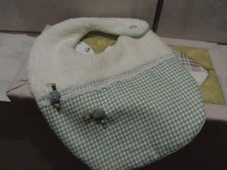 Baberos infantiles confección artesanal