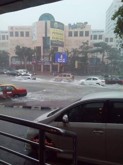 Banjir jb10