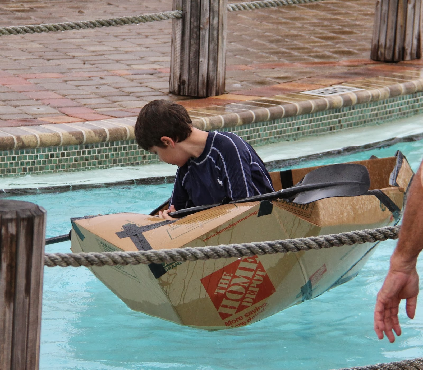 Family American Style 2016 Cardboard Boat Race