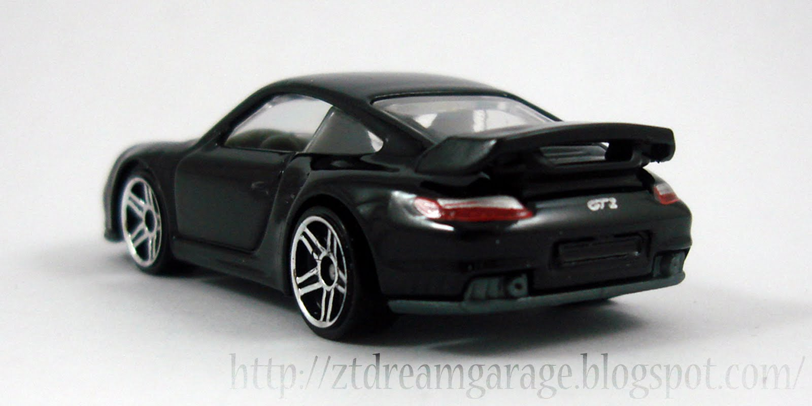 zt 39 s dream garage hot wheels porsche 911 gt2. Black Bedroom Furniture Sets. Home Design Ideas