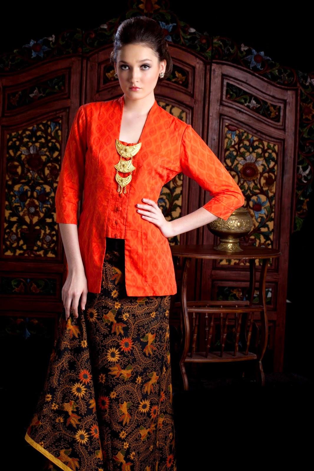 Foto Model Kebaya Kutubaru Trend Desain Kebaya Klasik Terbaru Oranye