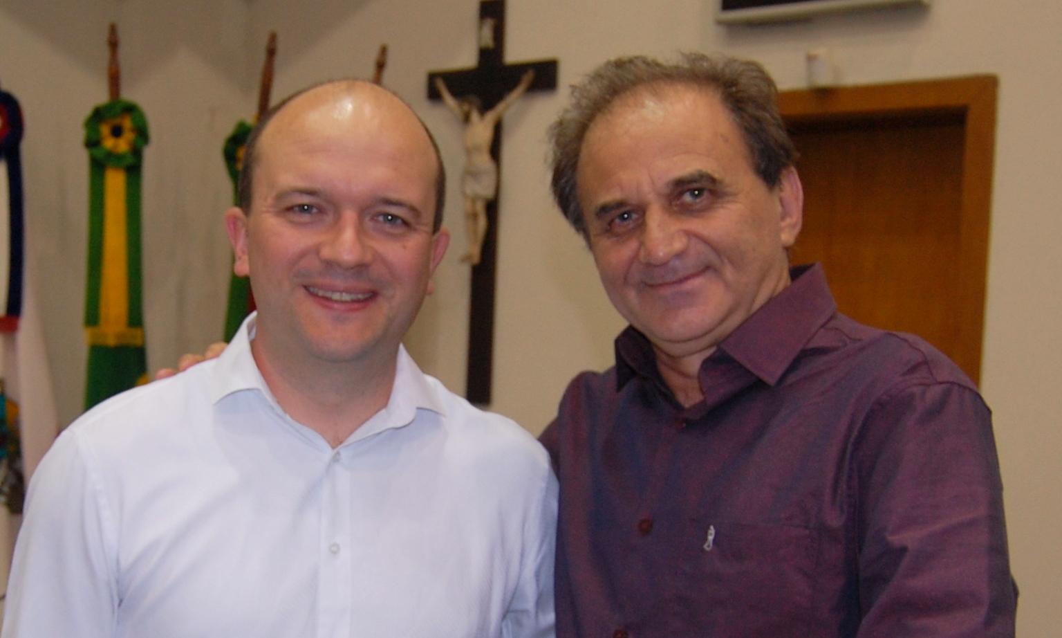 Airton Engster dos Santos e Pe Neimar Schuster